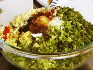 香味野菜たっぷり餃子(豚バラ肉の香味野菜巻き餃子)