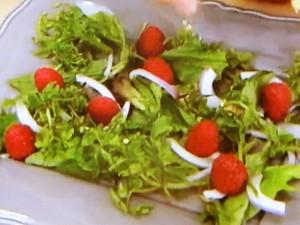 もこみち流 ラズベリーとゴルゴンゾーラのサラダ