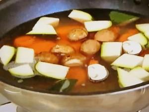もこみち流 チキンボールとベジタブルのスープ