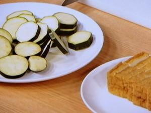 夏野菜と厚揚げのはちみつみそチーズ