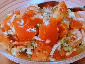 角切りトマトのサラダ