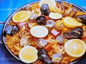 もこみち流 サラミと魚介のパエリア