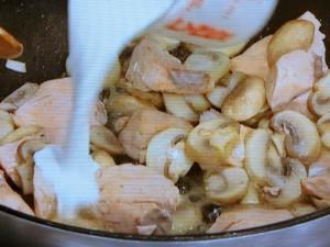 鮭のクリームパスタ