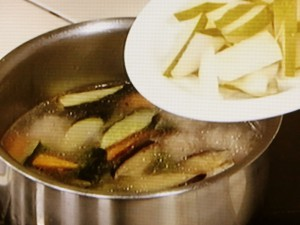 豚だんごの梨スープ