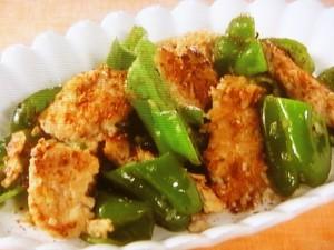 鶏ひき肉とピーマンの塩炒め