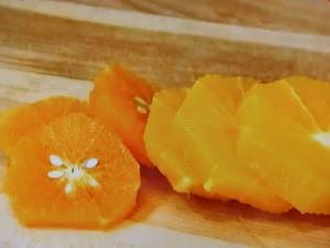 もこみち流 オレンジとチリミントのサラダ